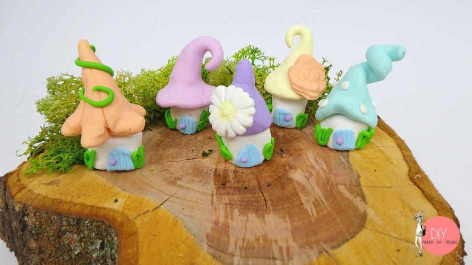 Hygge Pastell Wichtelhäuser selber machen mit Baumstamm Deko