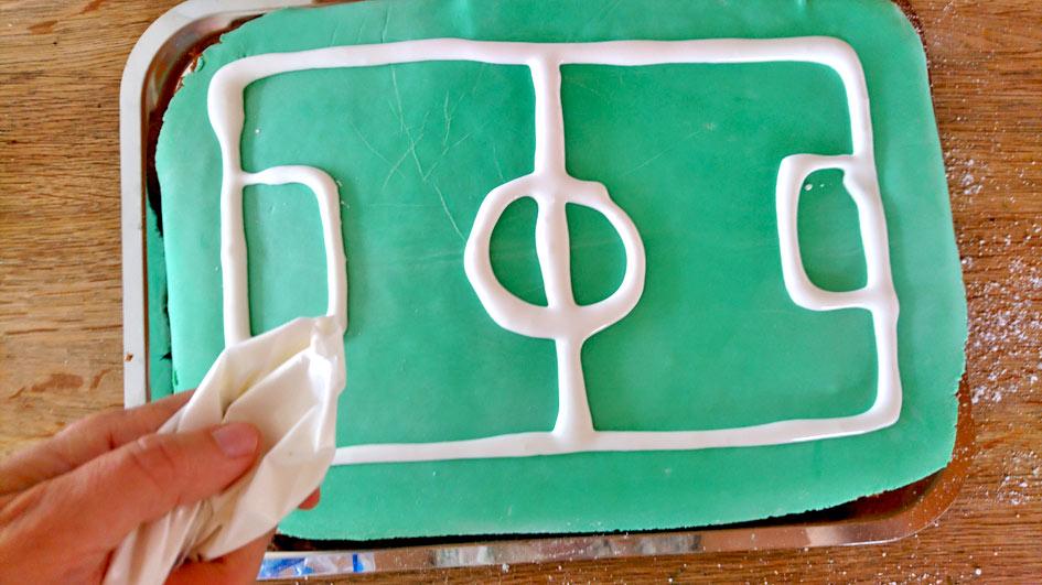 Rezept Fussball Wm Kuchen Zum Kindergeburtstag Kinder Diy