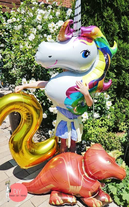 Folienballons Tiere Einhorn Dinosaurier und Zahlen zur Einschulung Feier
