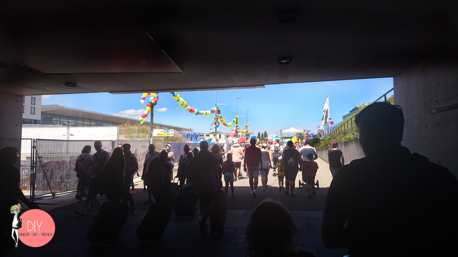 Besucherandrang beim Kinderfest Flughafen Stuttgart