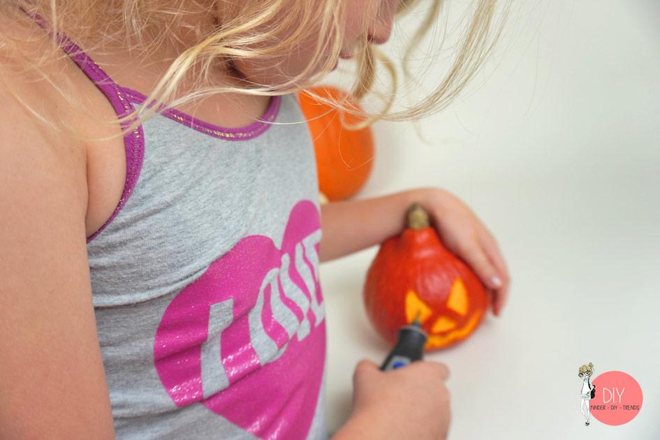 Kürbis schnitzen kinderleicht mit dem Mutltifunktionswerkzeug Dremel