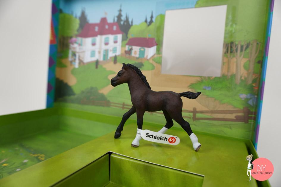 Schleichpferd in der Box zum Spielen mit Schleich Horse Club Buch und Rätselbuch