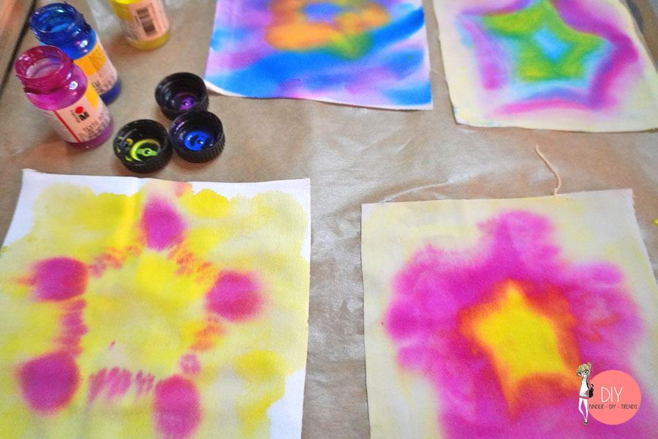 Sterne aus Textil Aquarellfarben auf Stoff malen