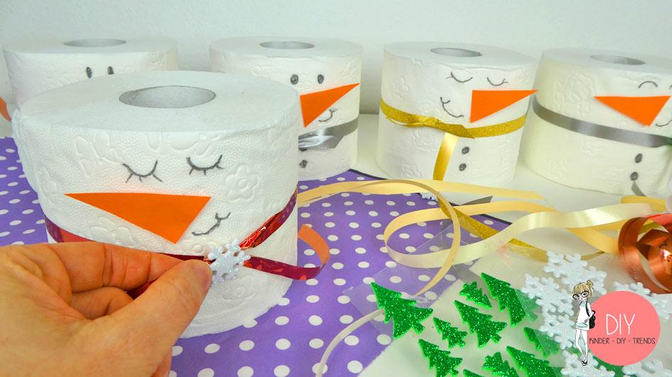 Toilettenpapier Schneemann selber basteln