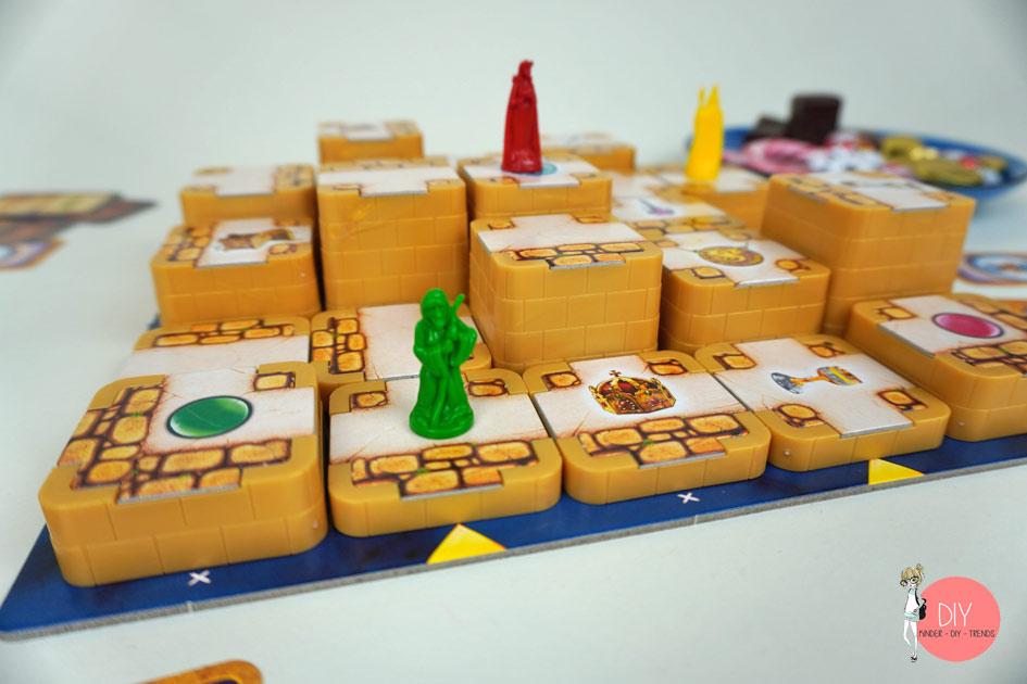 Türme und Spielfiguren - 3D Labyrinth Spiel