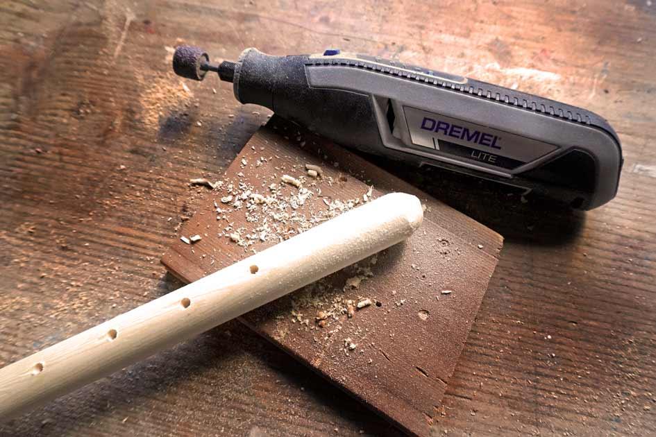 DIY Holz Tierspielzeug bauen - Löcher bohren