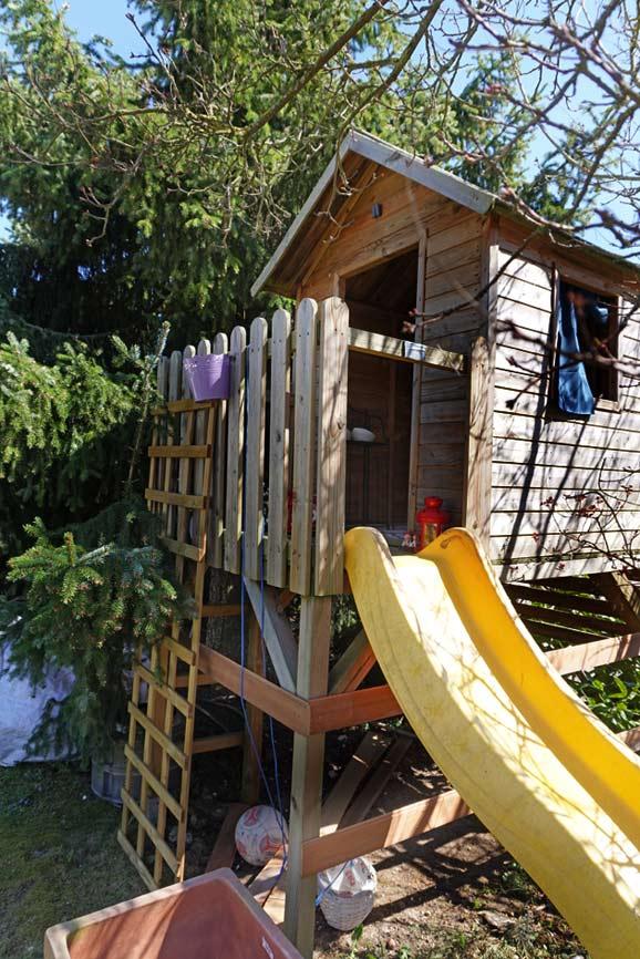 Spielhaus vor dem Upcycling Projekt - vorher nachher Bilder Garten