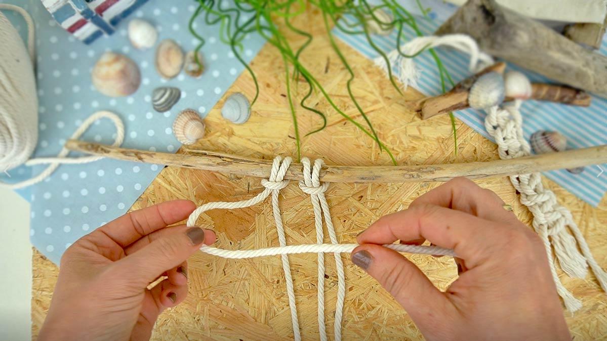 Makramee knoten für Anfänger - Makramee knüpfen mit Kindern: Anleitung halber Knoten