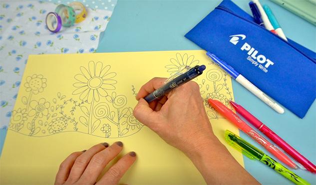 Doodle Blumenmuster zeichnen auf Buchumschlag für Schulbücher