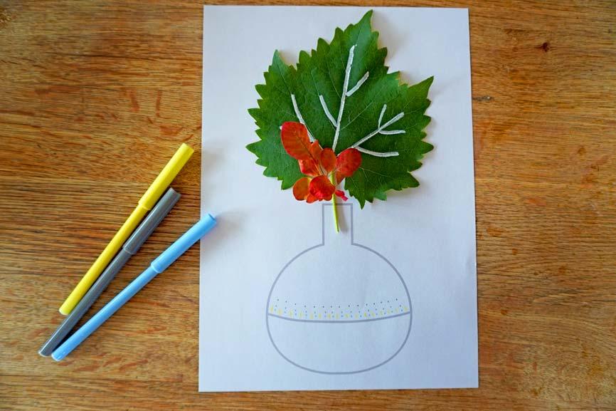 Herbstlaub in der Vase: Blätter sammeln und mit Multimarker bemalen