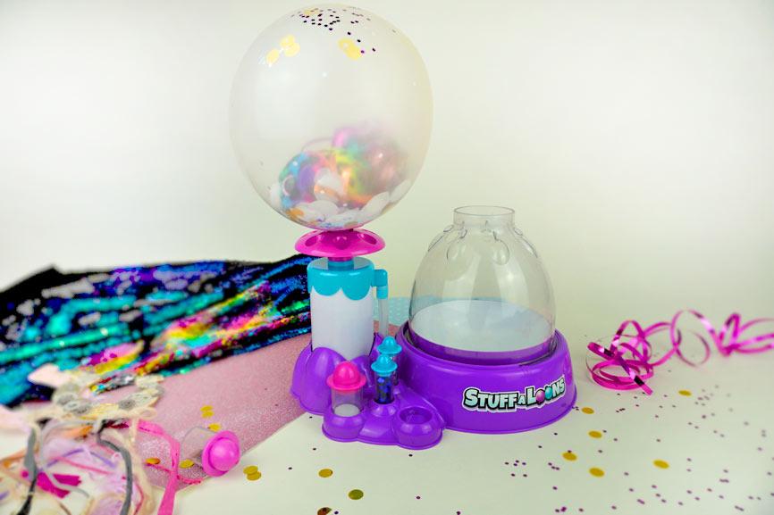 Ballon mit der Pumpe aufpumpen