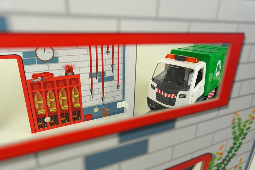 Revell Modellbau für Kinder: Feuerwehrstation und Müllauto