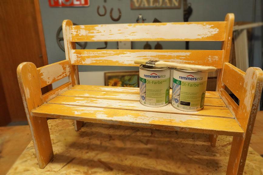 Holzbank Upcycling: Möbel für das Kinderzimmer neu gestalten - vorher