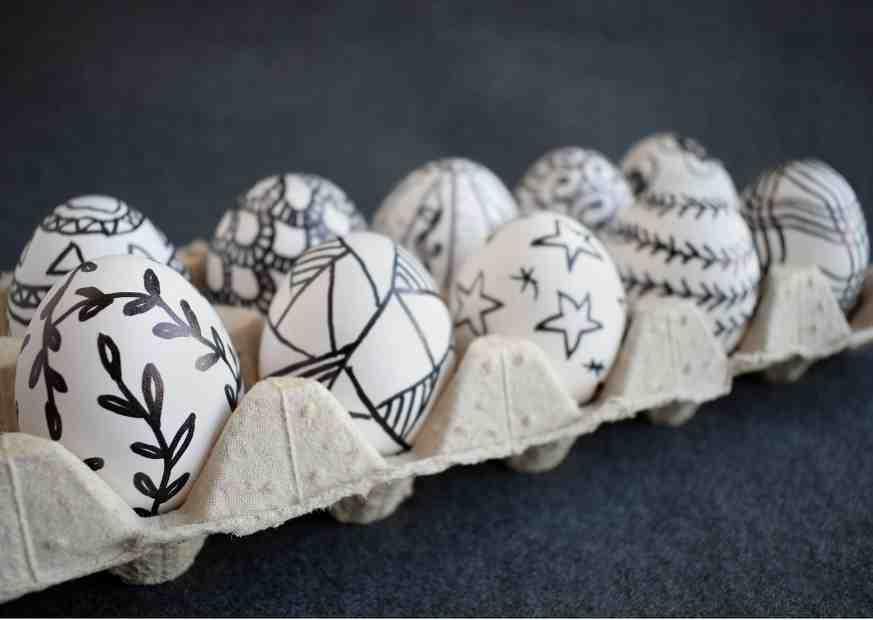Ostereier bemalen mit Doodle Technik - Eier bemalen