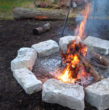 Grillplatz selber machen mit Schwenkgrill oder Feuerschale