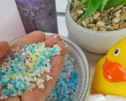 So macht man Regenbogenbadesalz -Rezept für buntes Badesalz