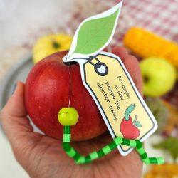 An apple a day keeps the doctor away - Bastelidee mit Apfel und Spruch
