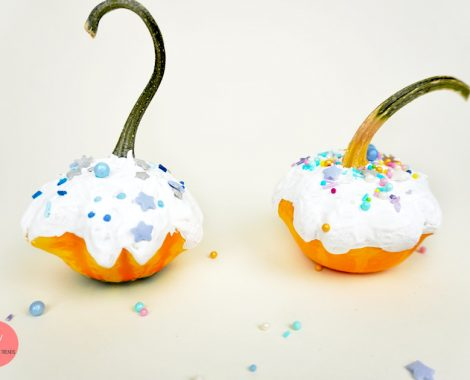 Zierkürbis bemalen - Cupcake Kürbis basteln