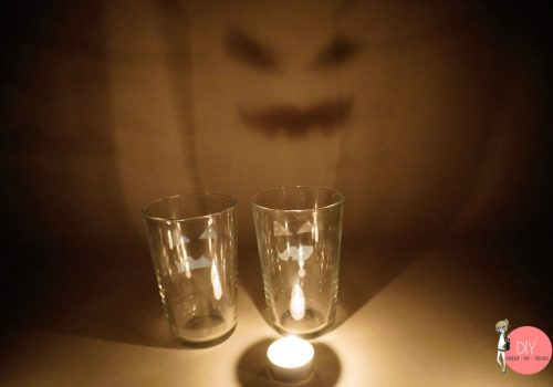 Physik Experiment MINT Förderung für Kinder: Lichtbrechung und tanzende Gespenster