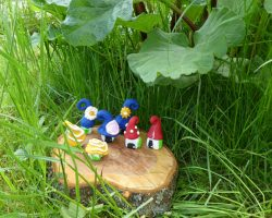 Wichtelhäuser aus FIMO modellieren - Deko für den Garten