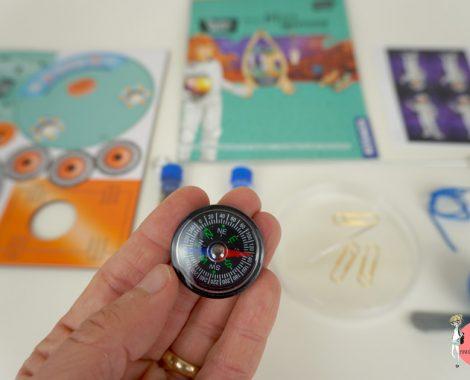Physik MINT Experiment Kompass aus einer Nadel und Magnet bauen - Anleitung