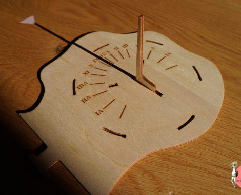 Sonnenuhr selber bauen mit Holzbausatz