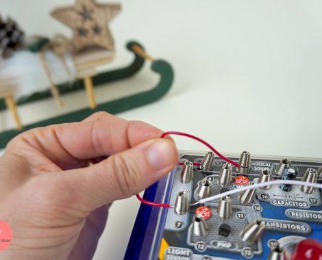 Kabel anklemmen - erste Experimente mit Elektrik für Kinder