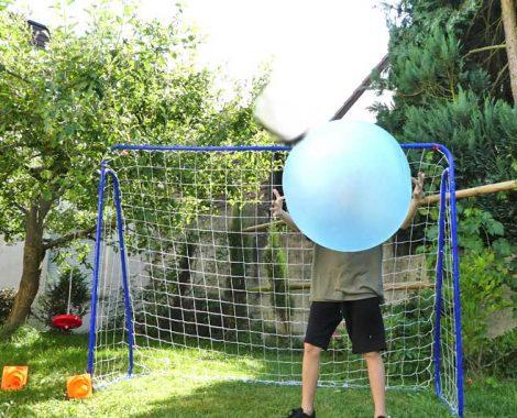 Spiele für das Fußballtor - Kindergeburtstag im Garten feiern
