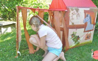 Pferde Kinderzelt als Spielstation beim Kindergeburtstag