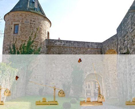 Das Trebuchet war eine mächtige Waffe im Mittelalter - Bausatz für Kinder von moses. und GEOlino