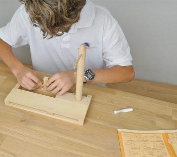 Technik Interesse von Kindern fördern: Bauset Technik und Konstruktion Trebuchet da Vinci