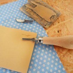So geht Linoldruck / Linolschnitt. Linolplatte schnitzen