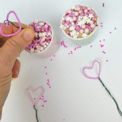 Bastelanleitung zum Muttertag - Perlenherzen