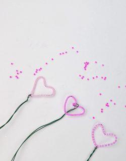Basteln mit Kindern - Herzen aus Perlen
