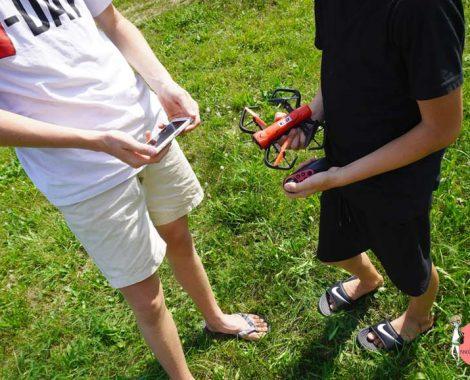 Geschenk für Kinder - Reely Drohne als Einsteiger Modell