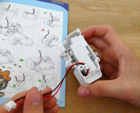 Bauteile aus Plastik für den Motor des Roboters
