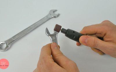 Mit dem Dremel den Schraubenschlüssel abschleifen