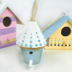 Vogelhaus Dekoration mit Pastellfarben und Perlenmuster Pearl Pen