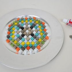 Dekoschale oder Vogeltränke aus Mosaiksteinen selber machen