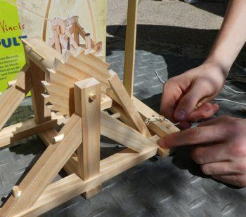 Leonardo da Vincis Katapult bauen von moses. Verlag und GEOlino